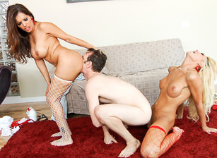 She-Male Perverts, Scene #02